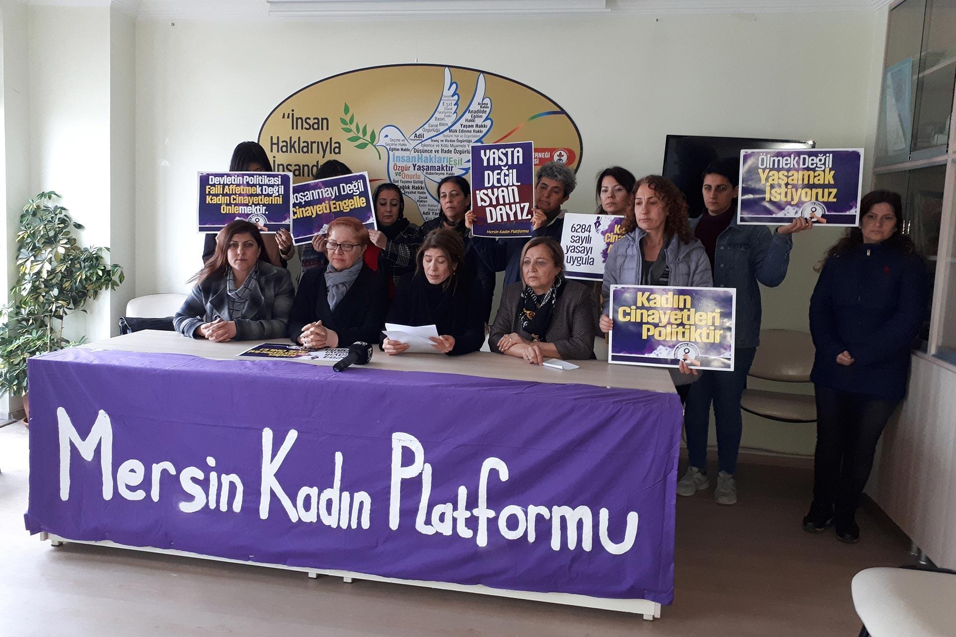 Mersin Kadın Platformu Gülistan Doku ve Merve Kaçmış'ın akıbetini sordu