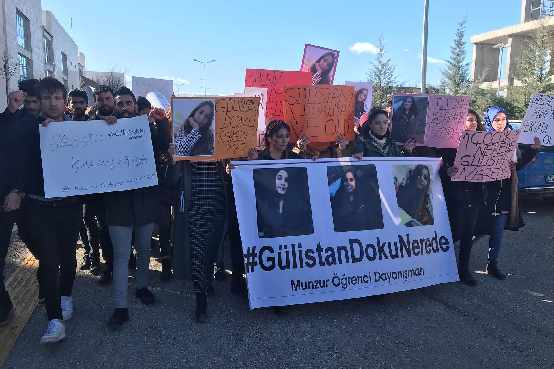 Gülistan Doku için eylem yapan Munzur Üniversitesi öğrencileri.