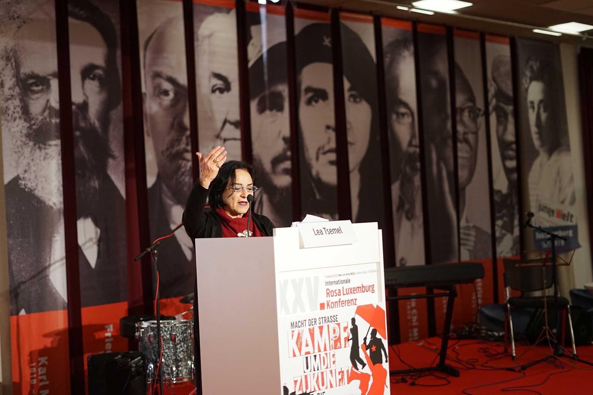 Lea Tsemel, Rosa Luxemburg Konferansı'nda konuşma yaparken