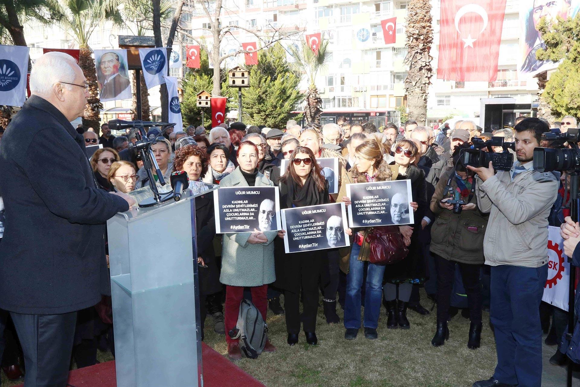Uğur Mumcu, İzmir'de düzenlenen etkinlikle anıldı