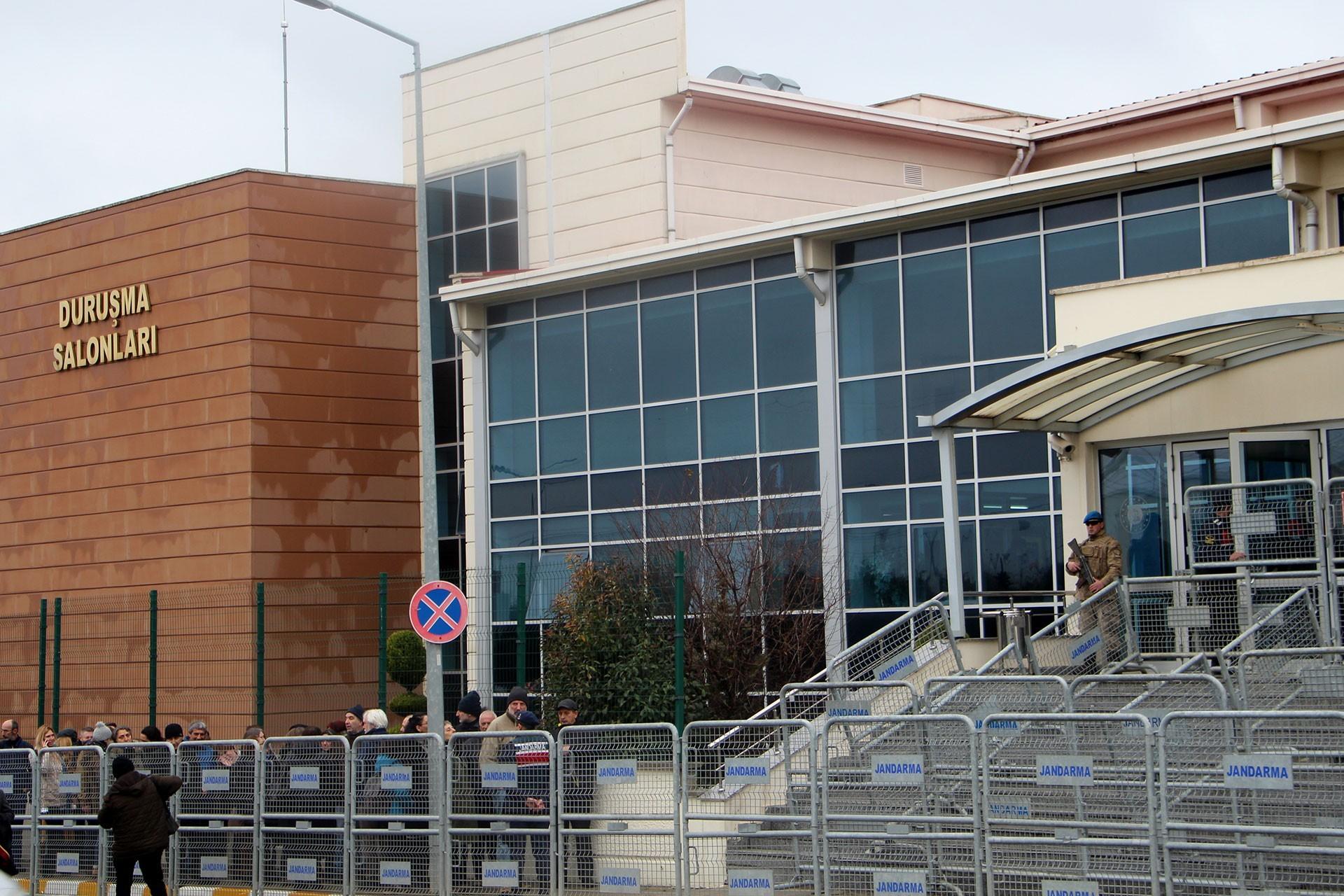 Silivri Ceza İnfaz Kurumları karşısındaki bina