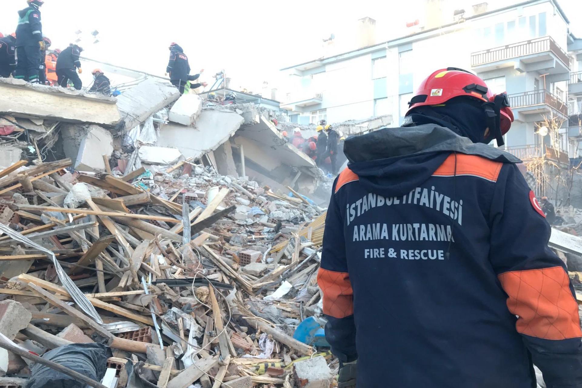 Elazığ depreminde İstanbul İtfayesinden bir kişi