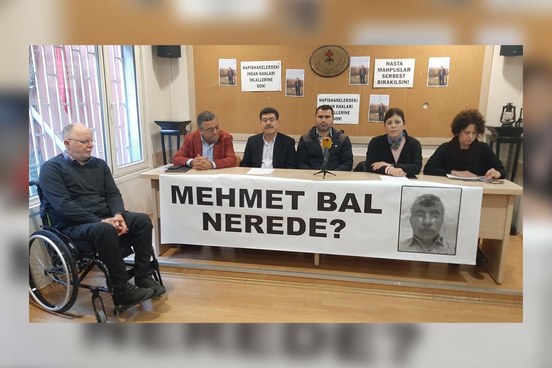 Mehmet Bal'ın akibetini sormak için İHD'de yapılan basın açıklaması.