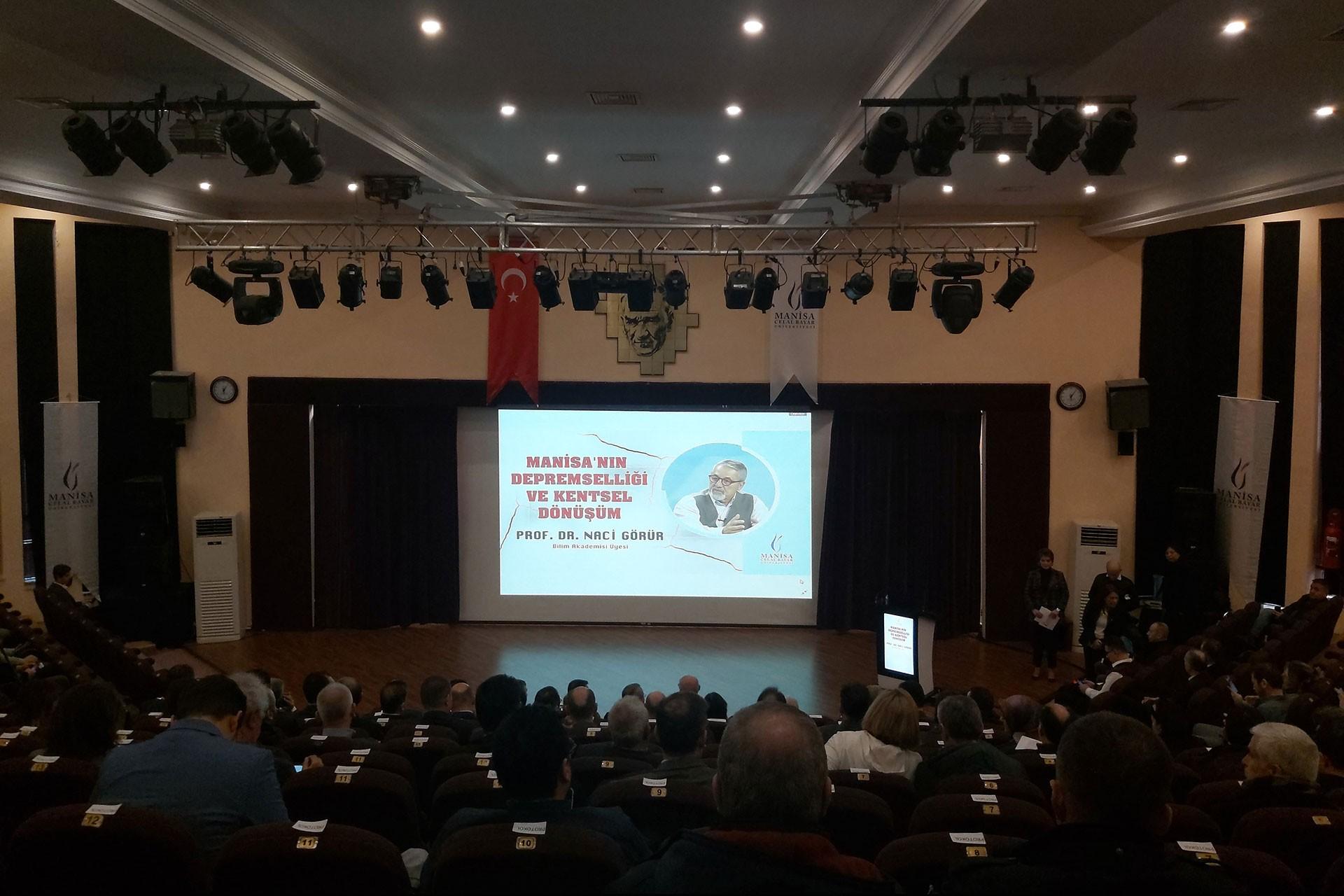 Prof. Dr. Naci Görür katılımıyla Manisa'nın Depremselliği ve Kentsel Dönüşüm konulu seminer düzenlendi.
