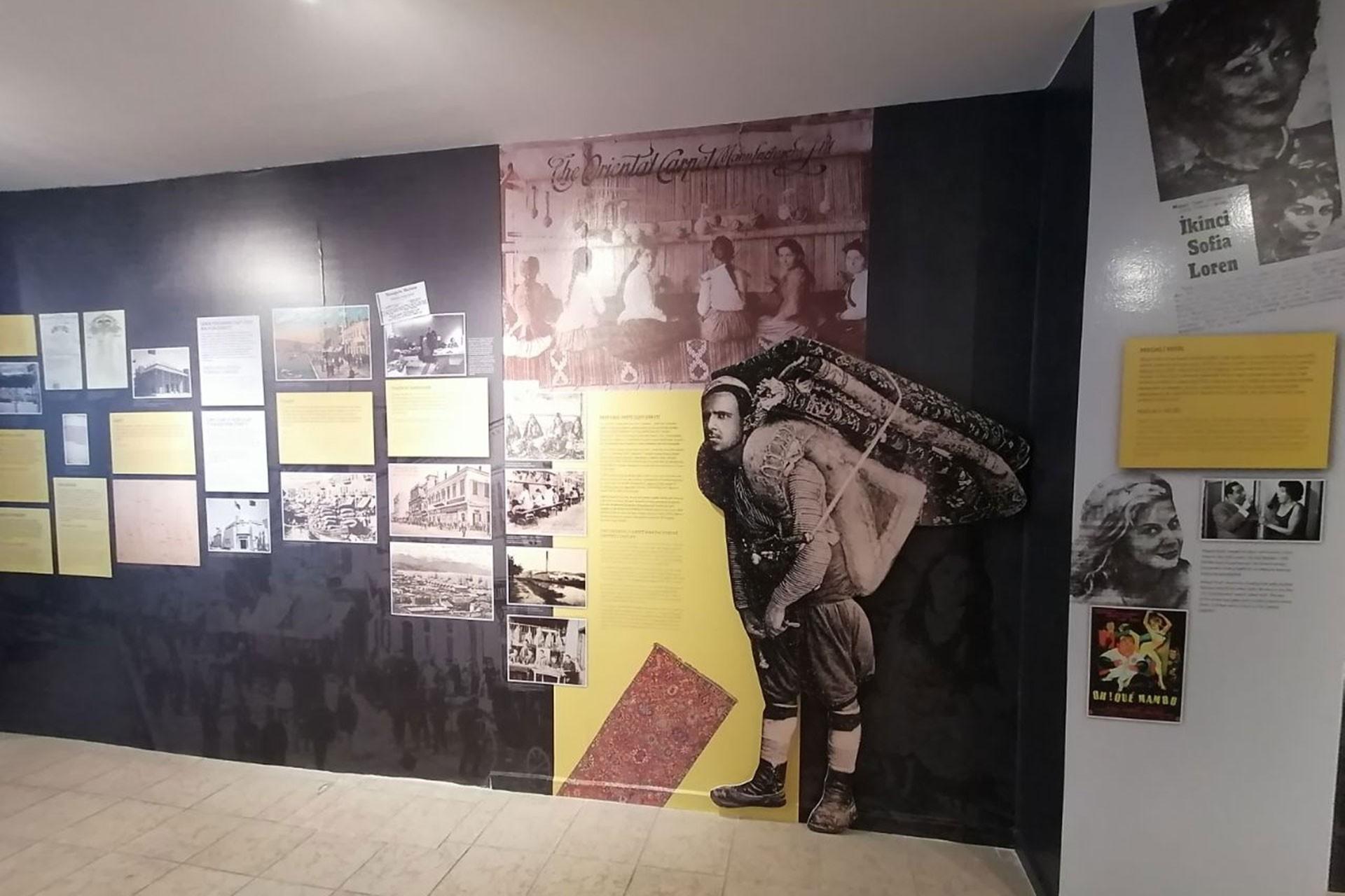 Ahmet Piriştina Kent Arşivi ve Müzesinde 'İzmir Levantenleri' başlıklı sergi açıldı.