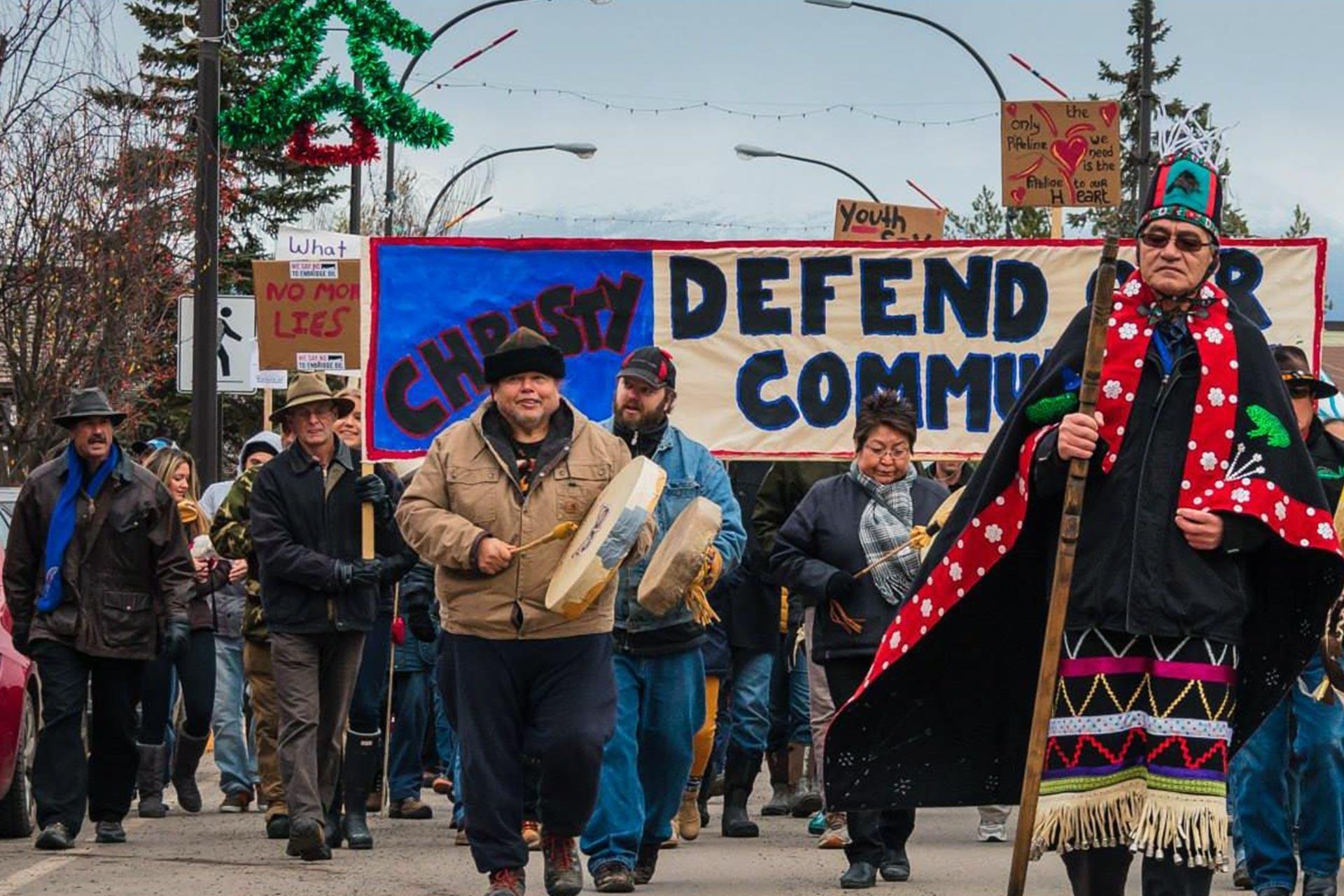 Kanada'da petrol boru hattı projesini protesto eden yerliler