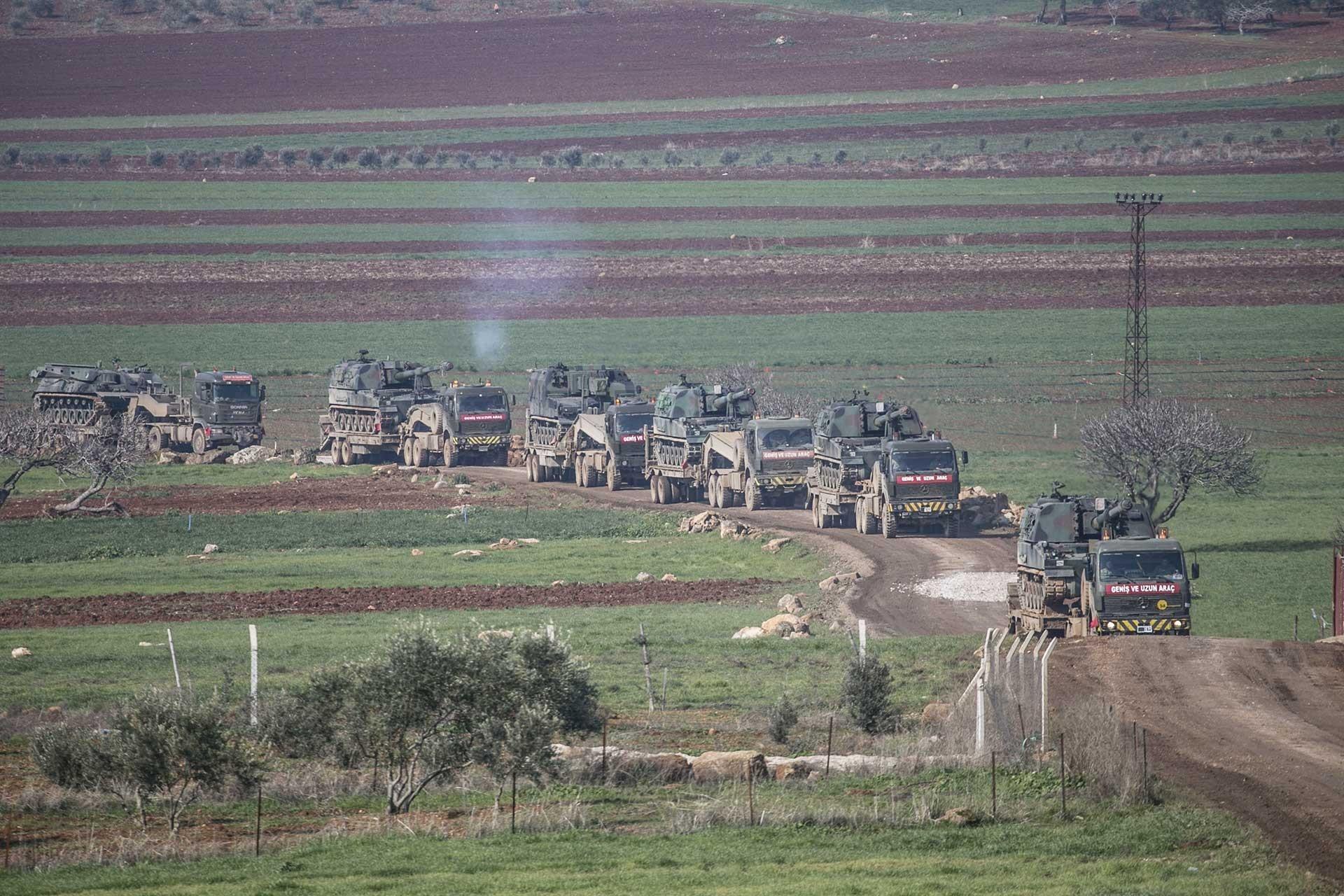 İdlib'e zırhlı araç sevkiyatı