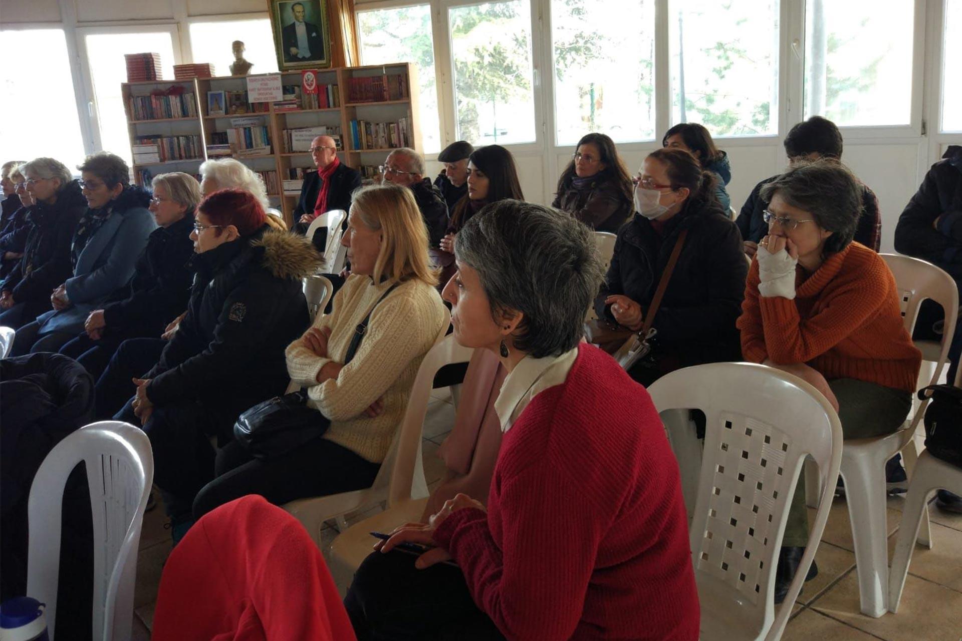 Batıkent'te çocuk istismarı paneline katılanlar