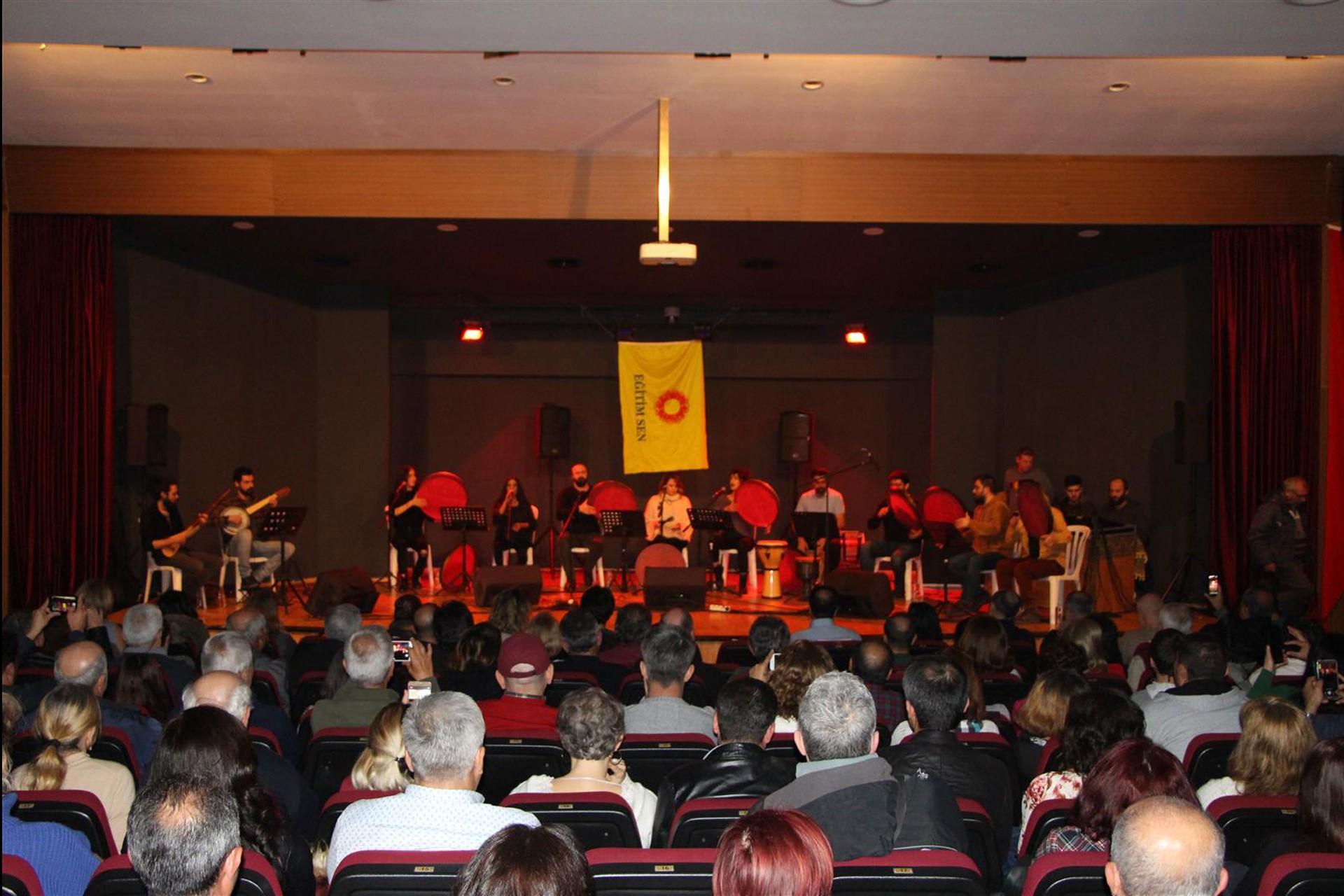 Eğitim Sen Didim Temsilciliği dayanışma konseri düzenledi