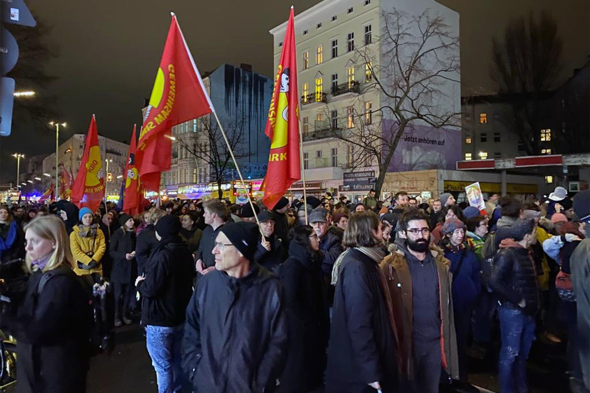 Almanya'da ırkçı katliama karşı düzenlenen protesto