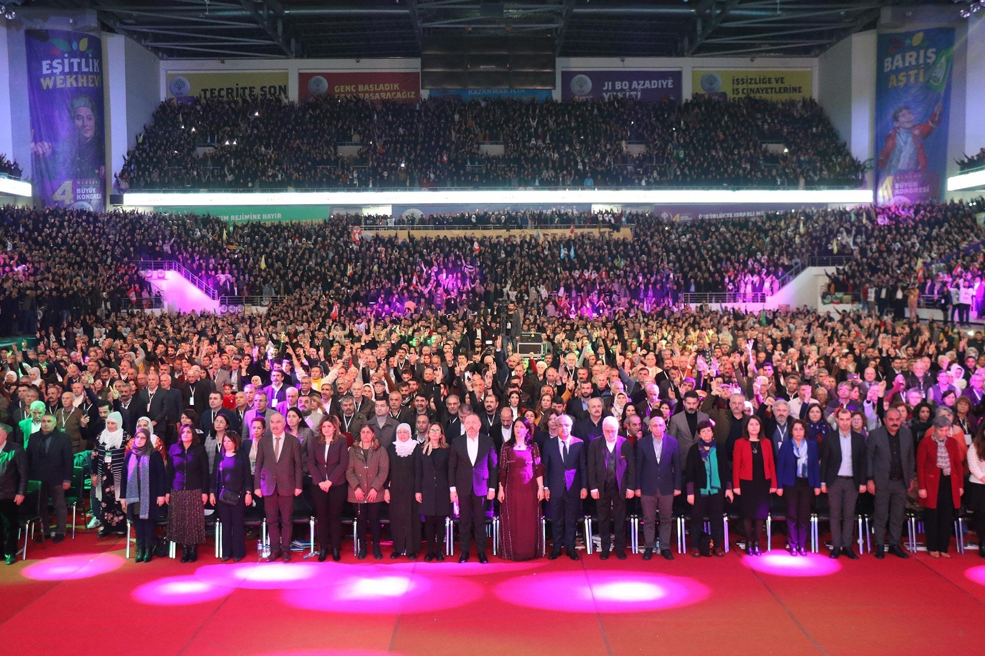 HDP'nin 4. olağan kongresi açılışından bir fotoğraf.