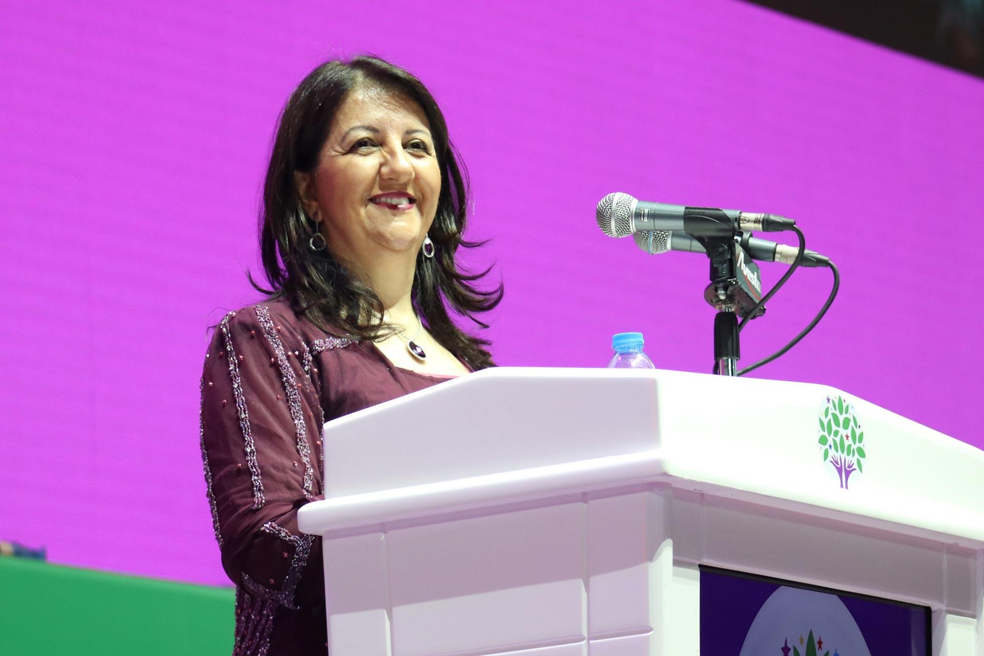 Pervin Buldan, HDP'nin 4. olağan kongresinde konuşurken.