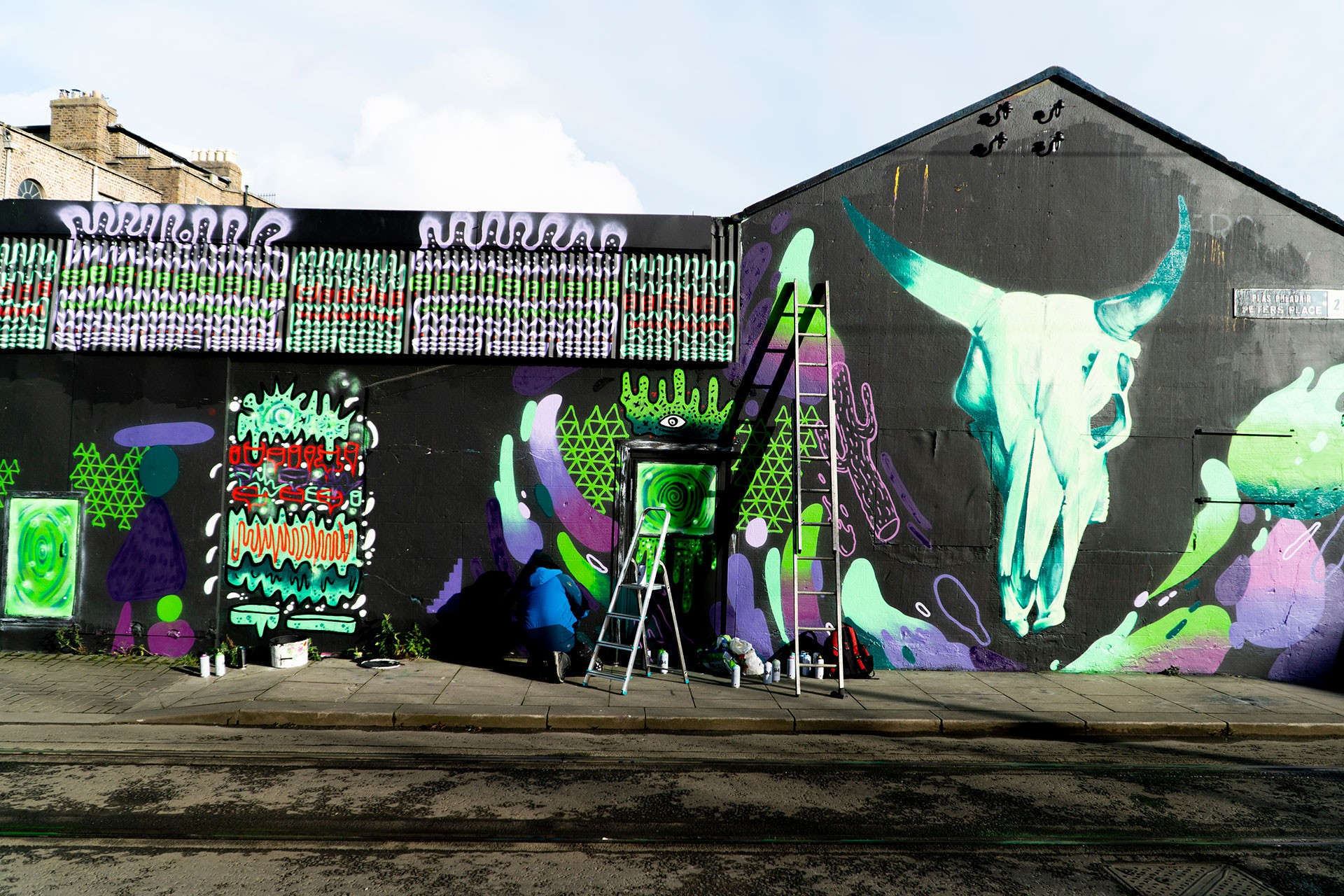 Dublinli graffiti sanatçıları Kurb ve  James Kirwan'ın çalışması.
