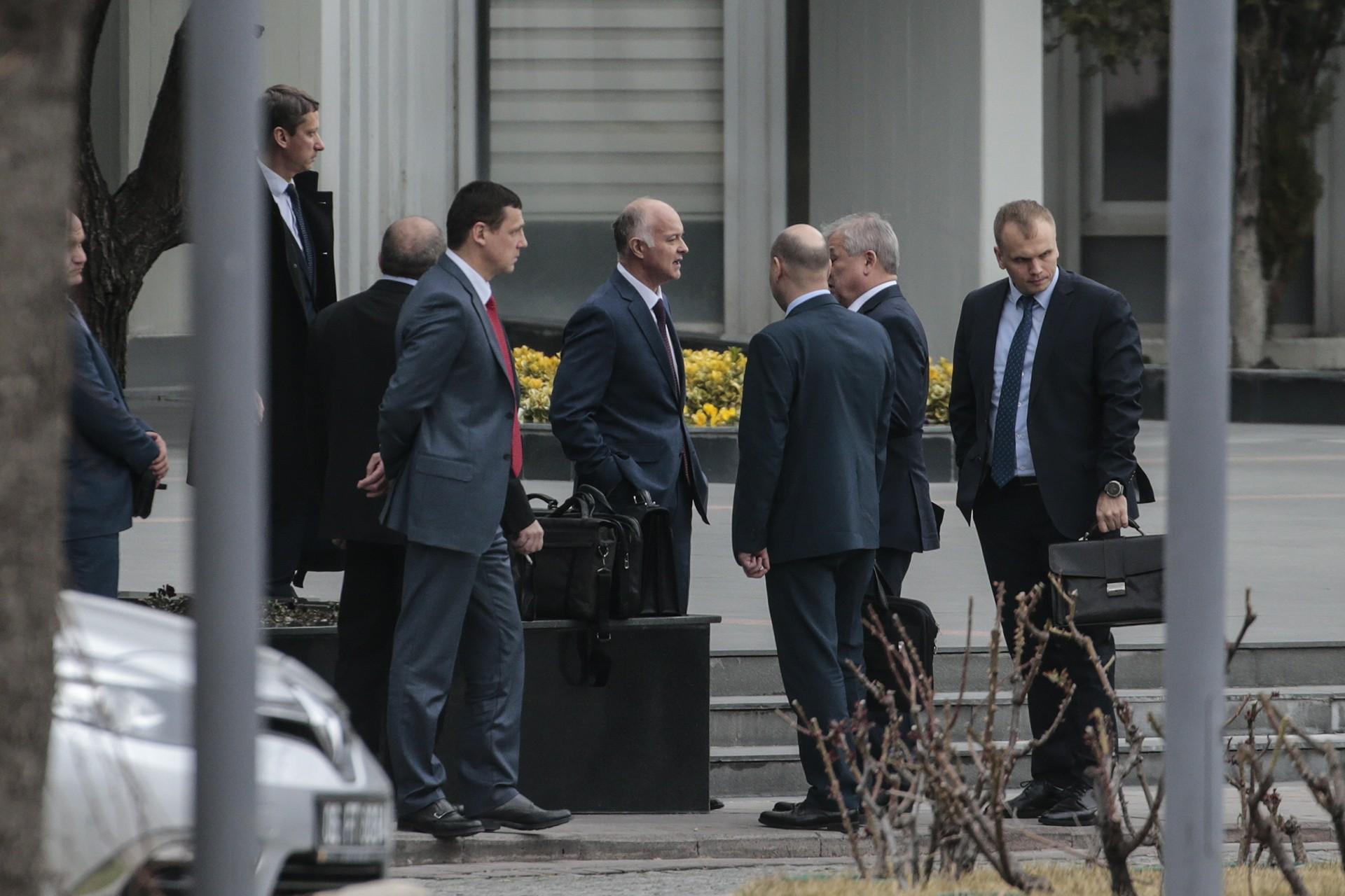 Rus heyeti, Dışişleri Bakanlığına geldi