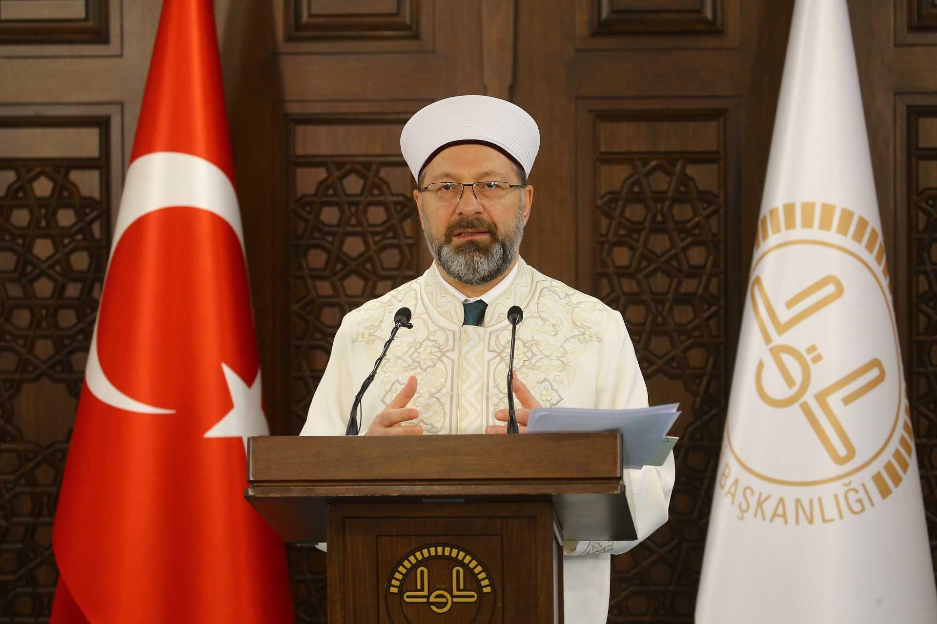 Diyanet İşleri Başkanı Ali Erbaş, koronavirüs ile ilgili alınan önlemlere dair açıklama yaptı.