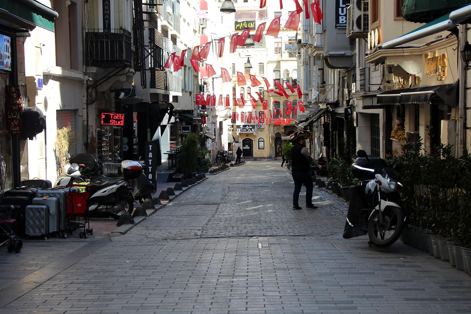 Taksim'de boş sokaklar