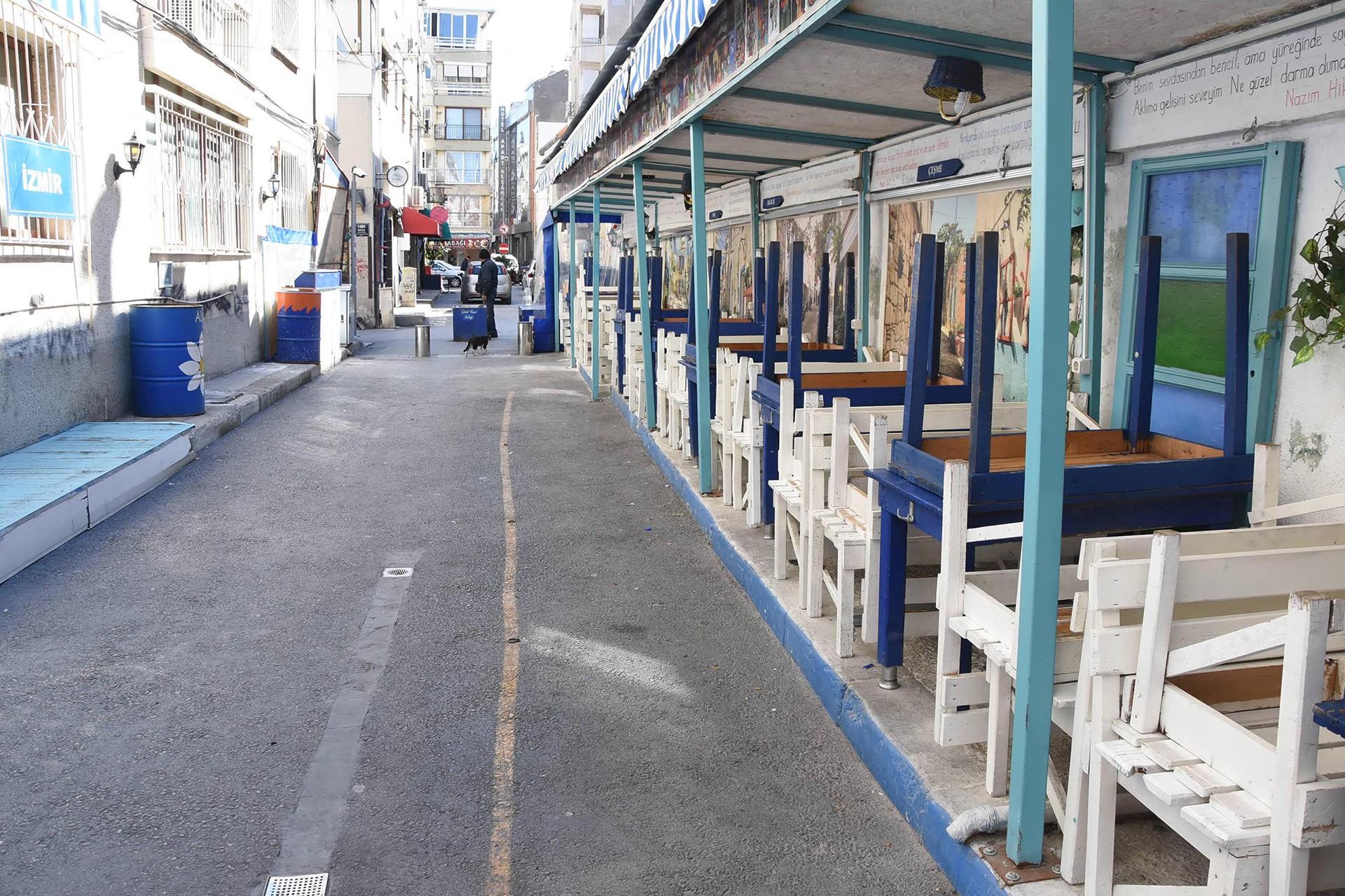 İzmir'de işyerleri kapatıldı