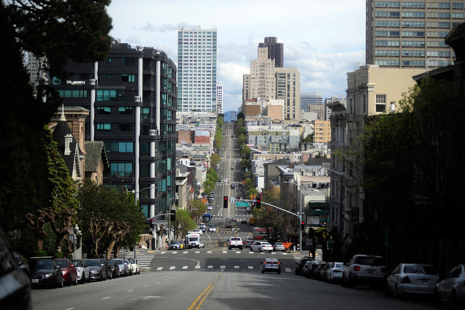 ABD'nin Kaliforniya eyaletinin San Francisco kentinde koronavirüs salgınıyla mücadele için alınan tedbirlerin ardından sokaklarda sakinlik gözlendi.