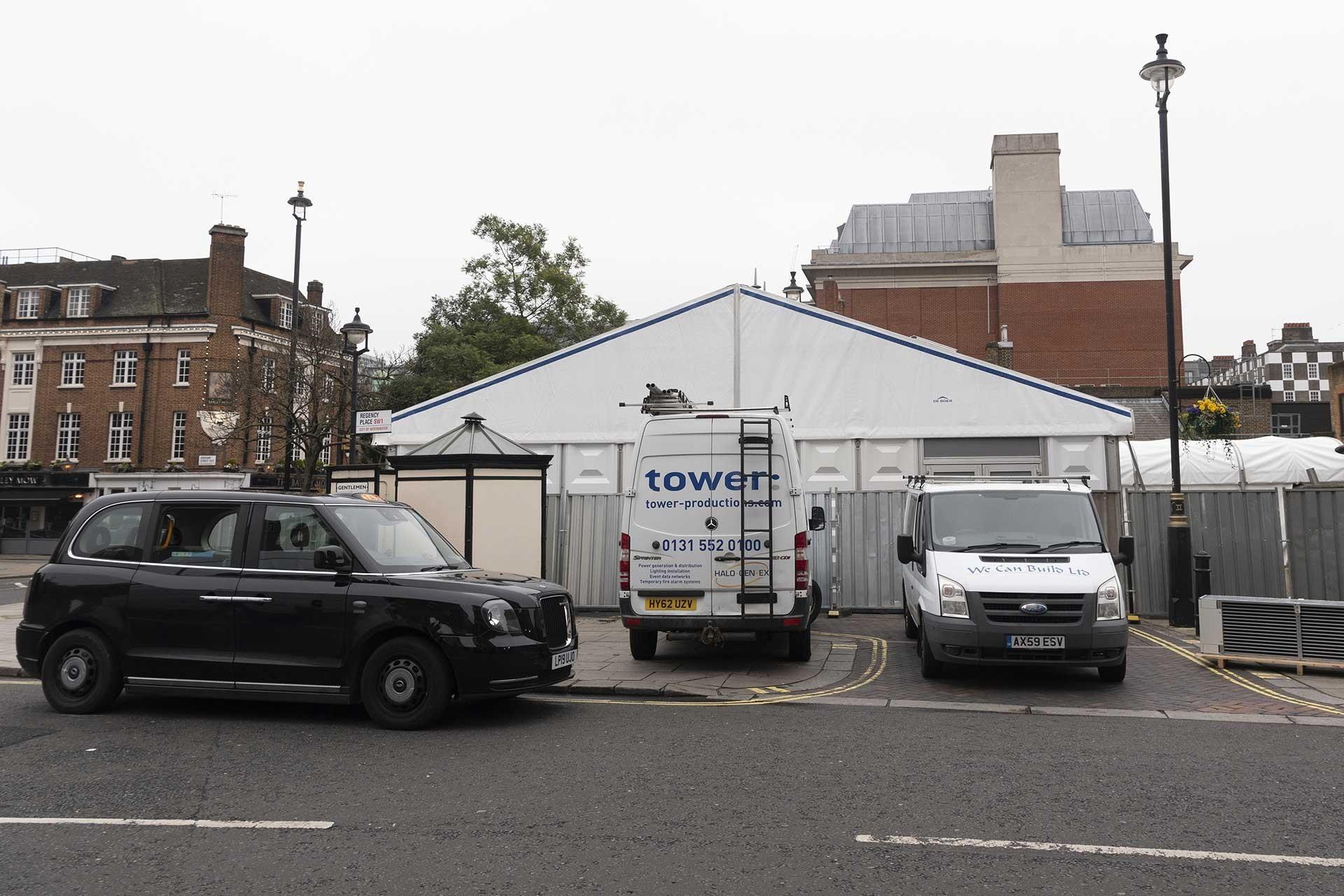 Londra'da Westminster'de bulunan bir morg koronavirüs nedeniyle ölenler için genişletildi.