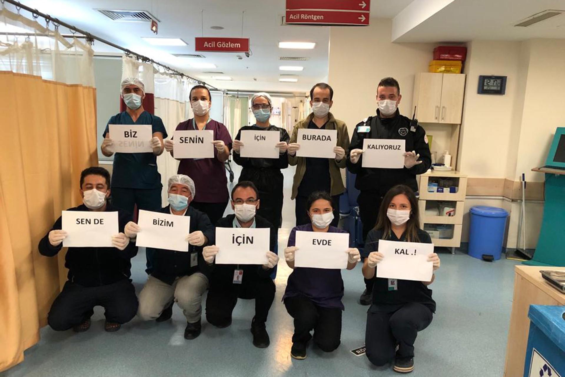 Eyüpsultan Devlet Hastanesi çalışanlarından evde kal çağrısı