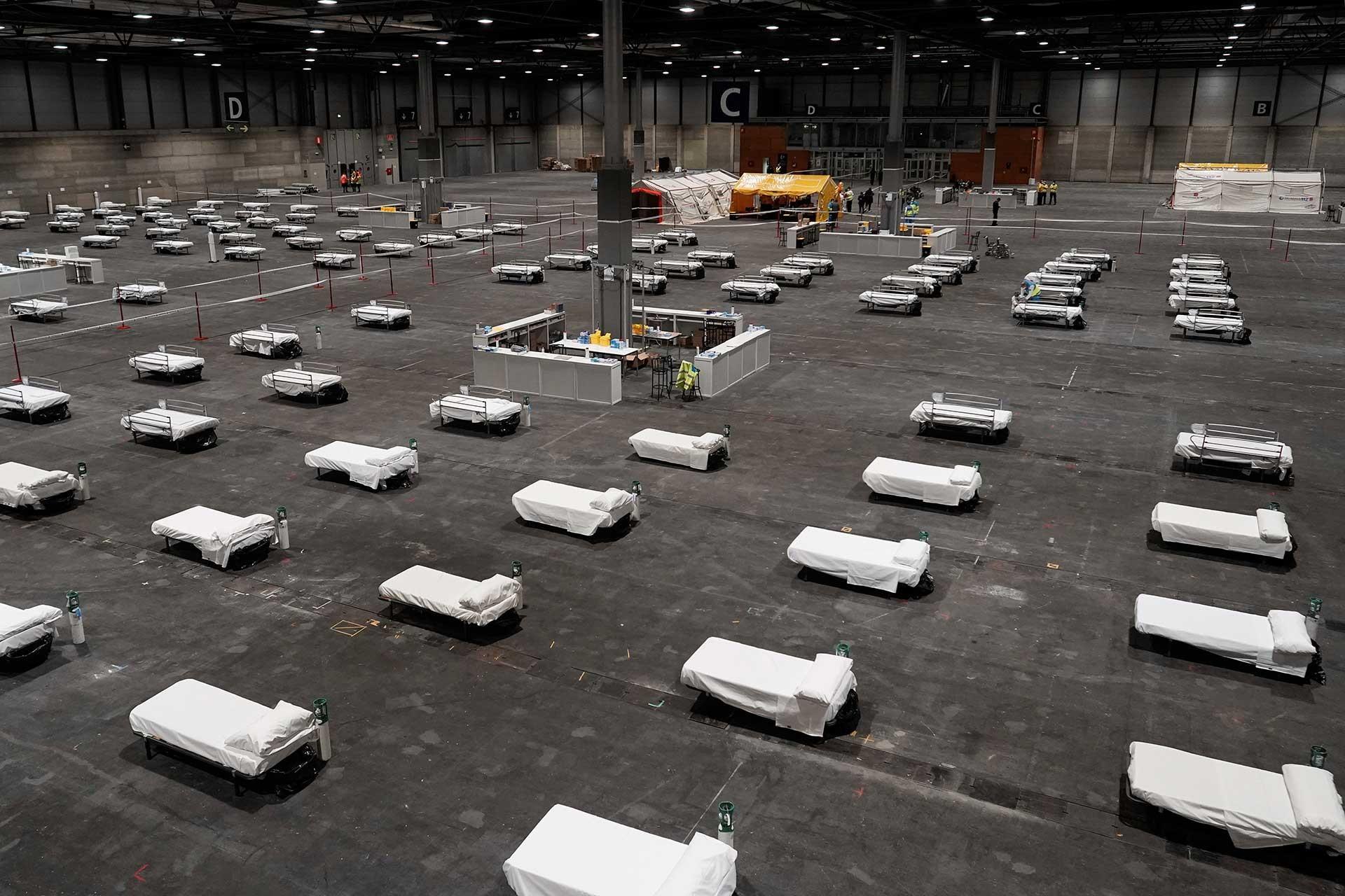 Madrid'deki Ifema Kongre ve Sergi Merkezi'nde Kovid-19 salgını nedeniyle 5 bin 500 yatak kapasiteli geçici hastane oluşturuldu.