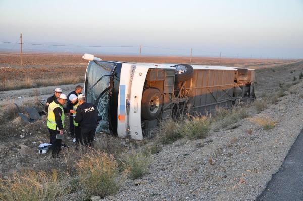 Afyon'da otobüs kazası: 33 yaralı