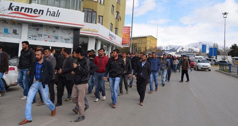 Oltu'da kömür madeninden işten atılan 300 işçi eylem yaptı