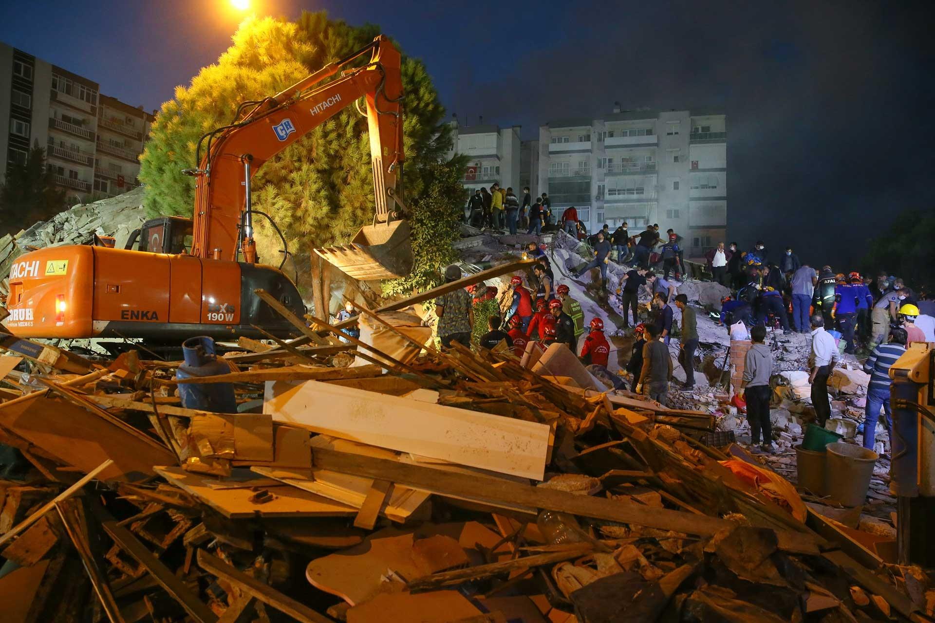 İzmir'de 6.6 büyüklüğünde deprem 30 Ekim 2020