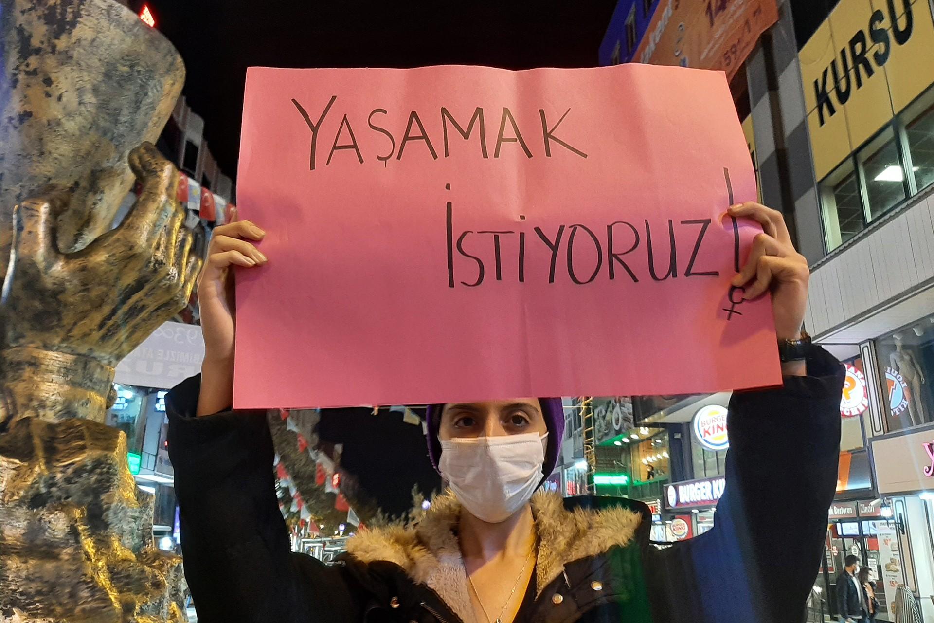 Avcılar Kadın Platformu, 25 Kasım'da Kadıköy'de geçekleştirilecek eyleme çağrı yaptı.