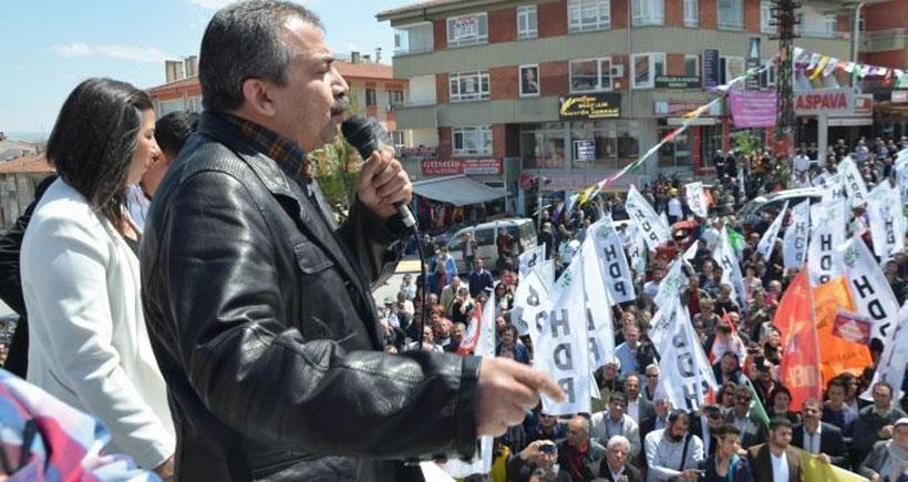Önder: Davutoğlu Cem Yılmaz'ı da geçti