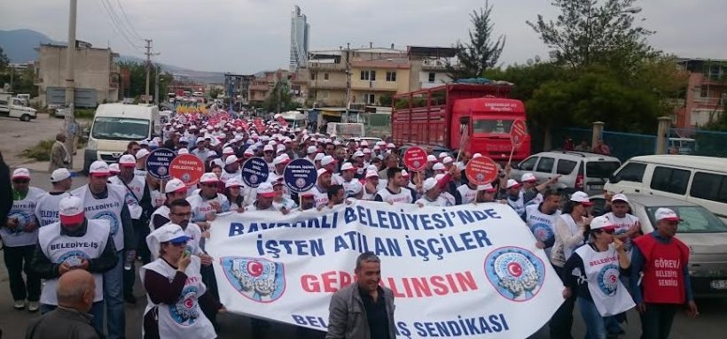 Bayraklı işçisine büyük destek