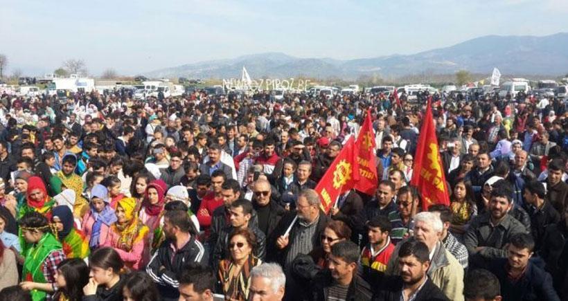 Newroz'da yöresel kıyafet giymek suç oldu