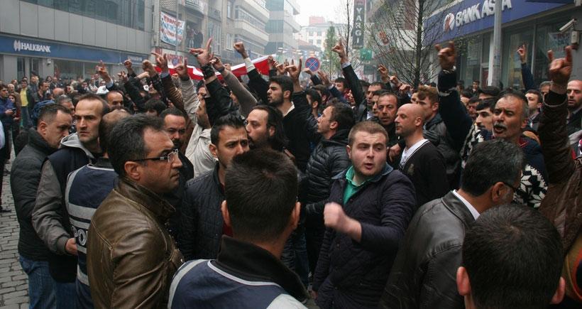 Trabzon 1 Mayıs'ında HDP'lilere taşlı saldırı
