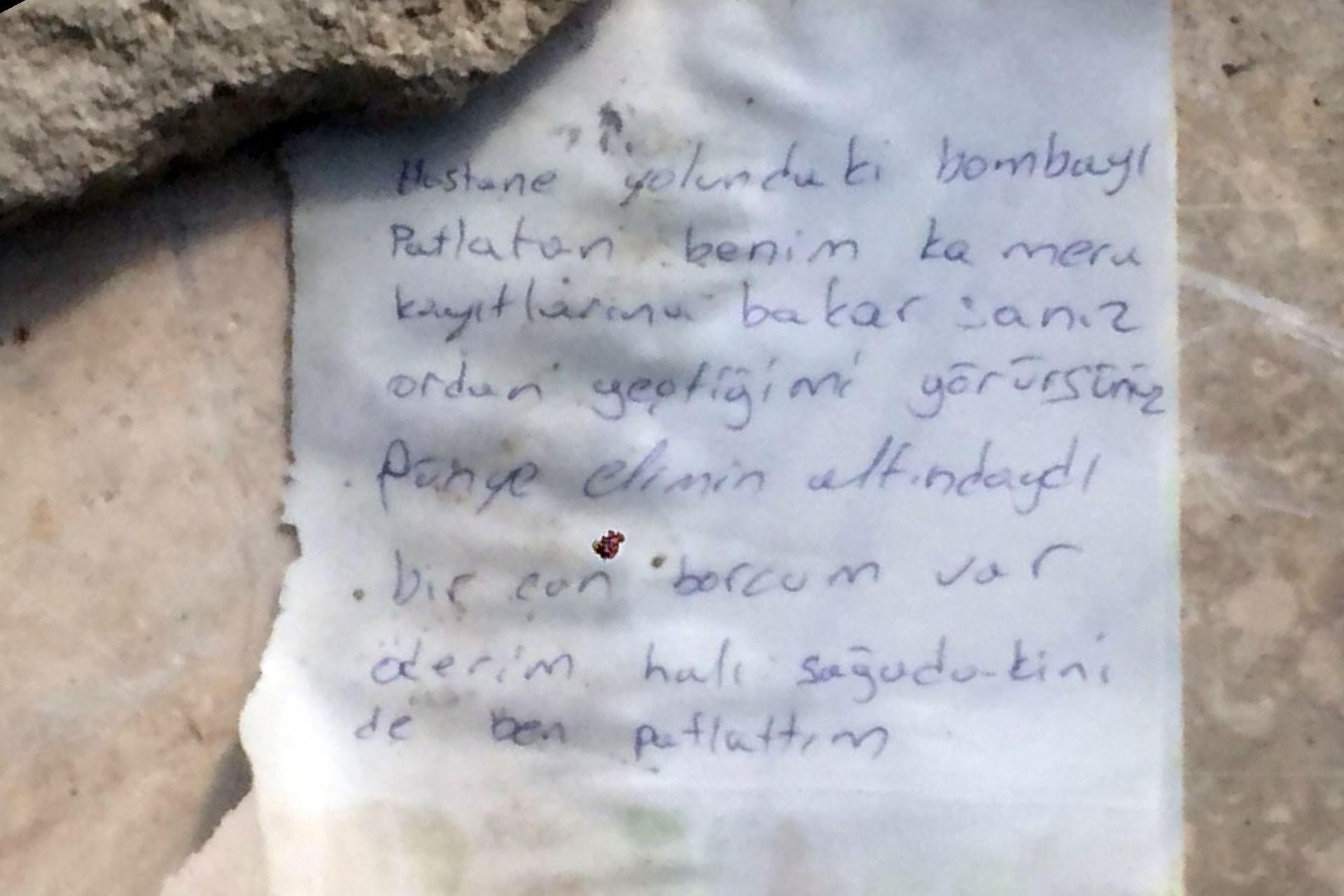 Elazığ'da sürücüsüyle birlikte yanan aracın yanına 'Bombaları ben patlattım' yazılı not bulundu