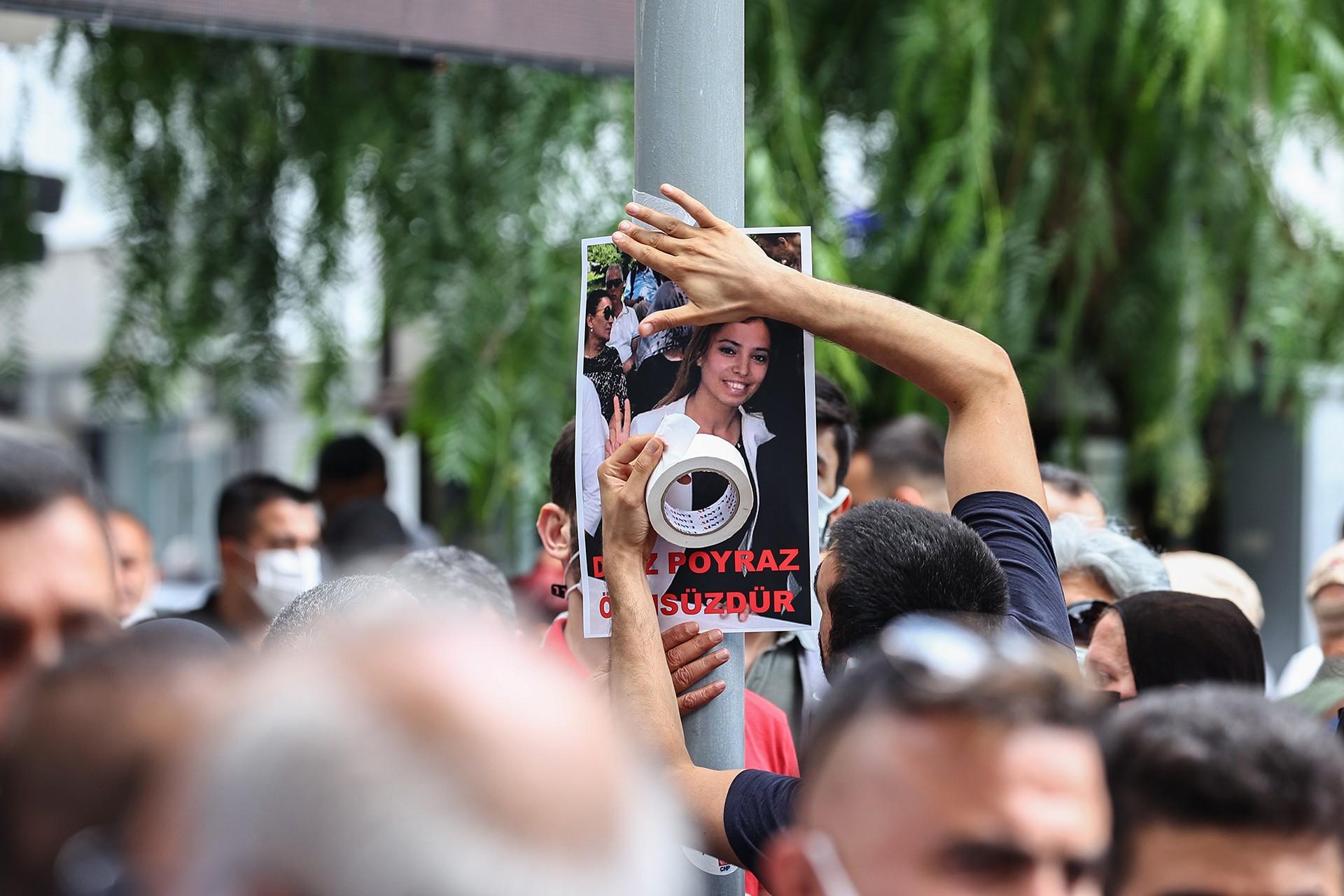 Sanatçılar, Deniz Poyraz'a ilişkin paylaşımlar yaptı, HDP'ye saldırıyı kınadı - Evrensel