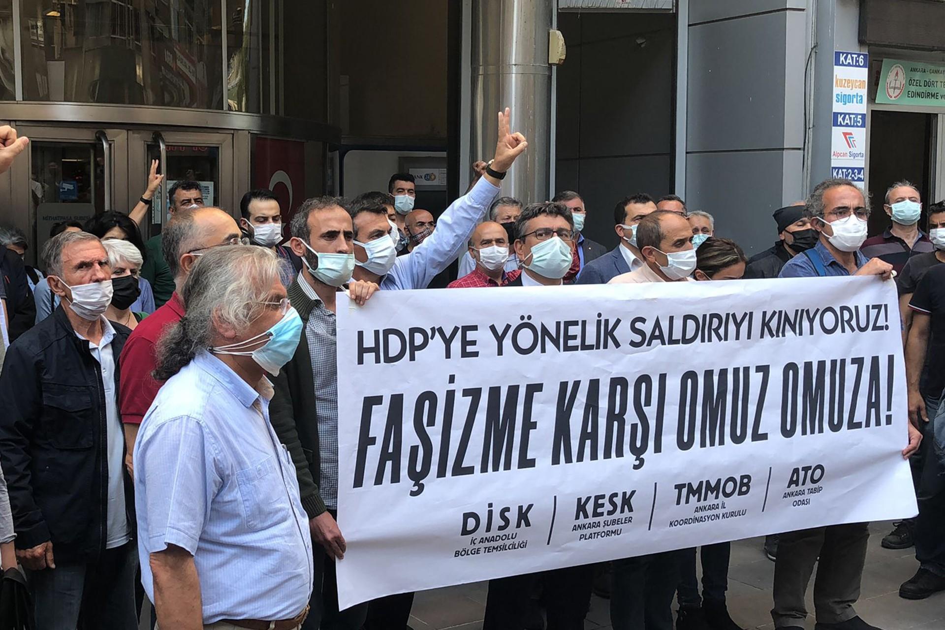 Ankara'da sendika ve odalardan HDP'li Deniz Poyraz'ın katledilmesine tepki - Evrensel