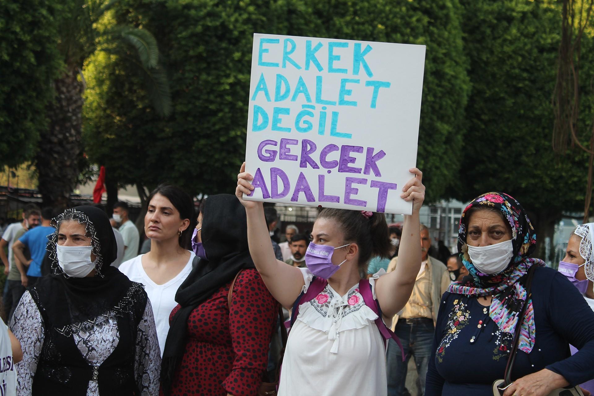 Kadınların Adana'daki eylemi