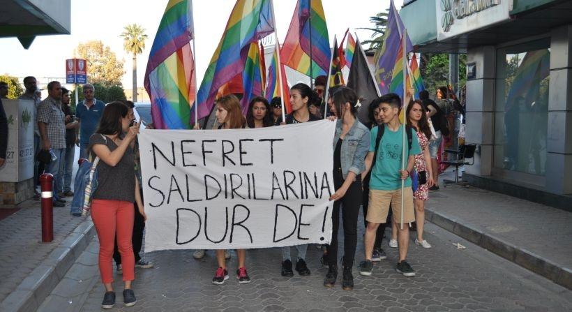 İzmir'de 'Nefret saldırılarına dur de' eylemi