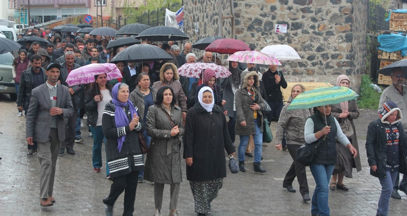 İştebrak'taki Alevi katliamı Varto'da protesto edildi