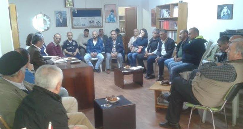 HDP adayları Kartal'da  işçilerle buluştu