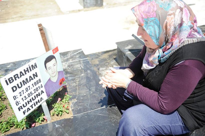 Madenciler Şehitliği'ni ziyaret eden Somalı anneler gözyaşı döktü