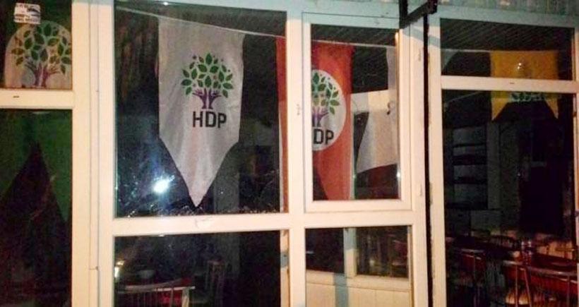 Isparta'da HDP seçim bürosuna saldırı