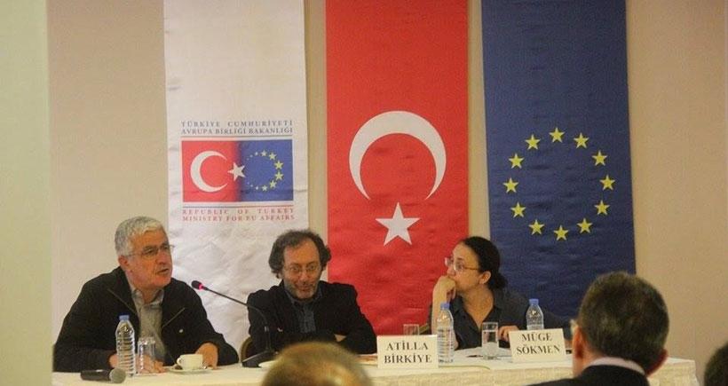 'Yayınlama özgürlüğü yolunda' projesinin Karadeniz toplantısı Trabzon'da yapıldı