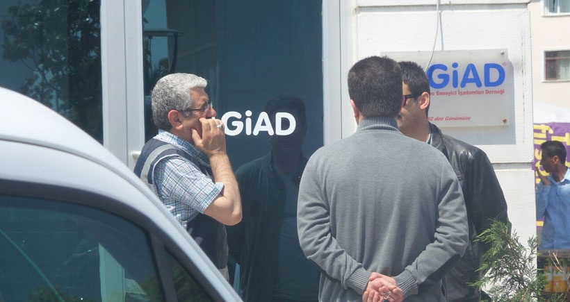 Sakarya'da SAGİAD'a polis baskını