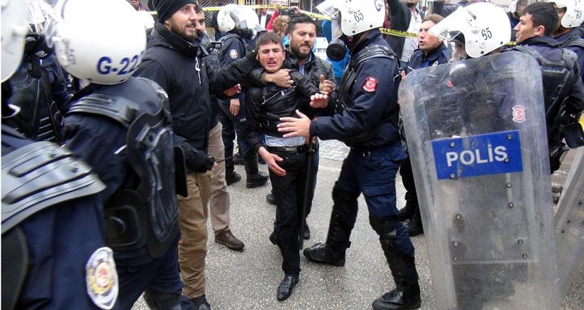 Erdoğan'ı protestoya polis saldırısı