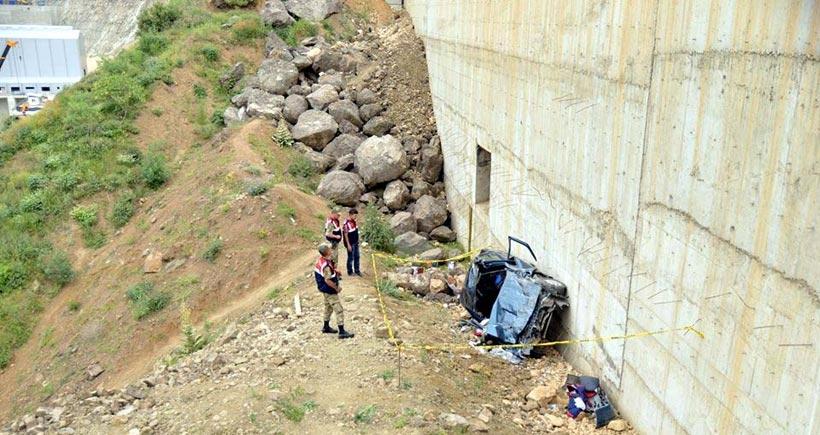 HES inşaatına düşen araçta biri bebek 2 ölü, 3 yaralı