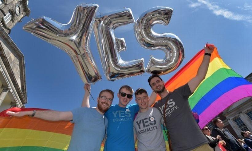 İrlanda, eşcinsel evliliğini halk oyuyla yasallaştıran ilk ülke oldu