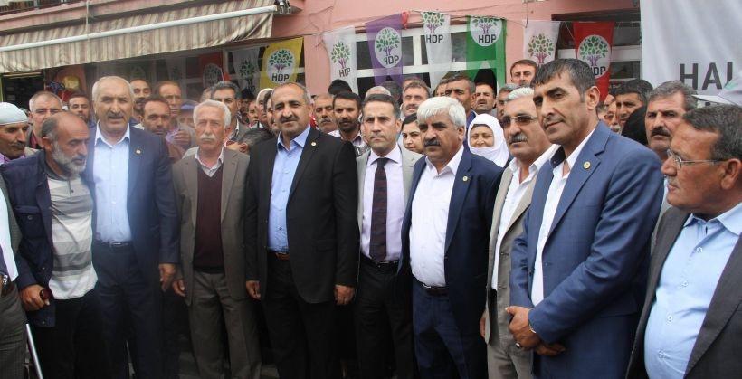 Varto'da AKP'li kalmadı, hepsi HDP'ye geçti