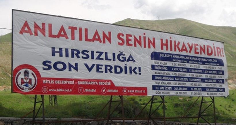 Bitlis Belediyesi yıllık bilançoyu bilboardlarda yayınlıyor