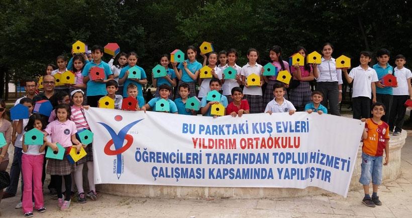 Nusaybinli öğrencilerden 100 kuş evi